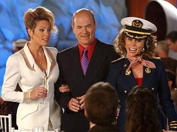 Sandra Taylor, Larry Miller e Cheryl Hines in una scena del film Al passo con gli Steins