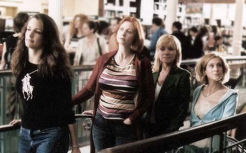 Sarah Jessica Parker, Cynthia Nixon, Kim Cattrall e Kristin Davis  in una scena di Sex and the City, episodio Ragazza copertina