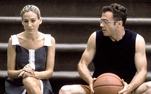 Sarah Jessica Parker e David Eigenberg in una scena di Sex and the City, episodio Recensioni
