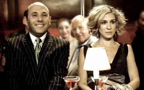 Sarah Jessica Parker con Willie Garson in una scena di Sex and the City, episodio Recensioni