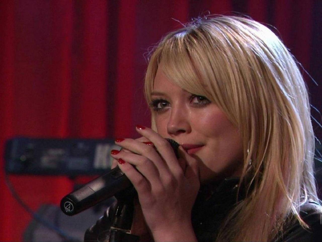 Wallpaper di Hilary Duff - 23