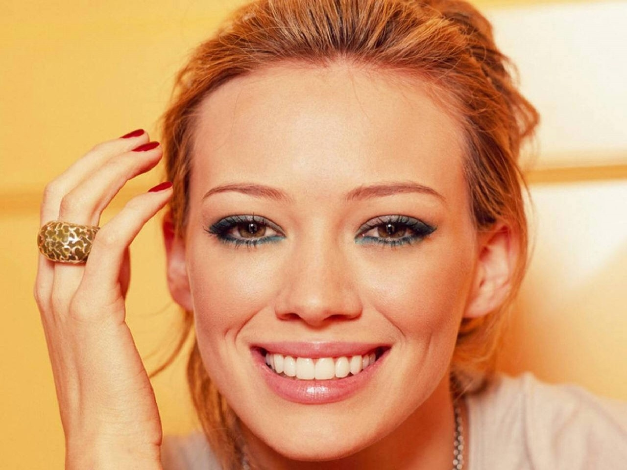 Wallpaper di Hilary Duff - 24