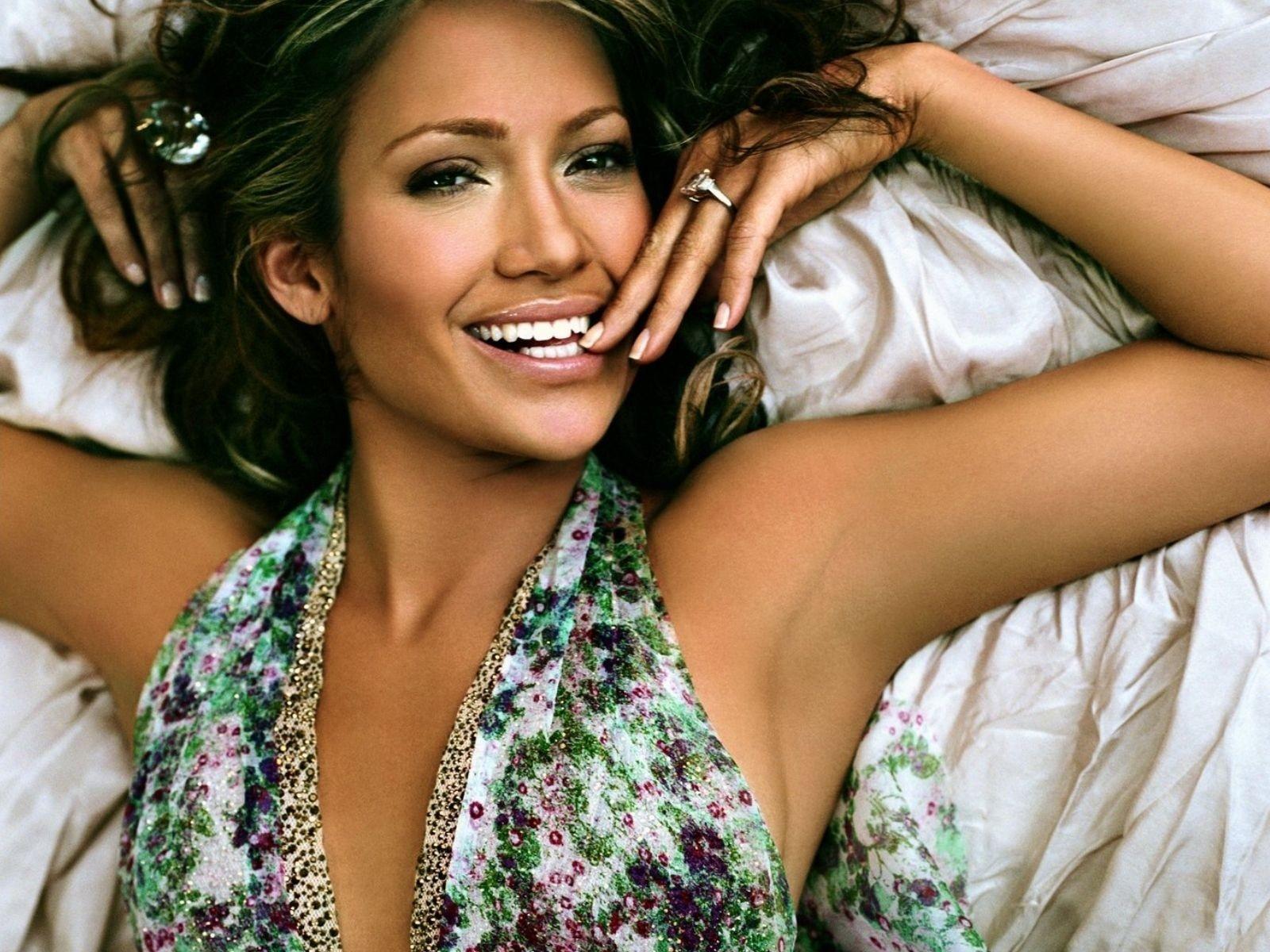 Wallpaper di Jennifer Lopez in versione glamour