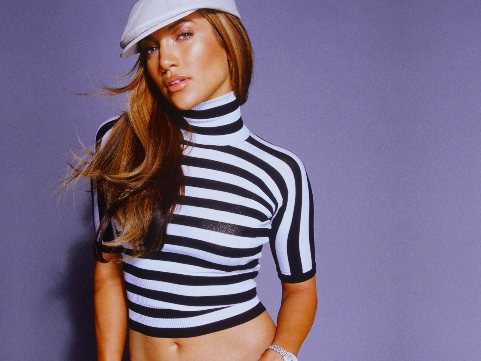 Wallpaper di Jennifer Lopez - la splendida cantante e attrice americana è nata il 24 luglio del '69 sotto il segno del Leone