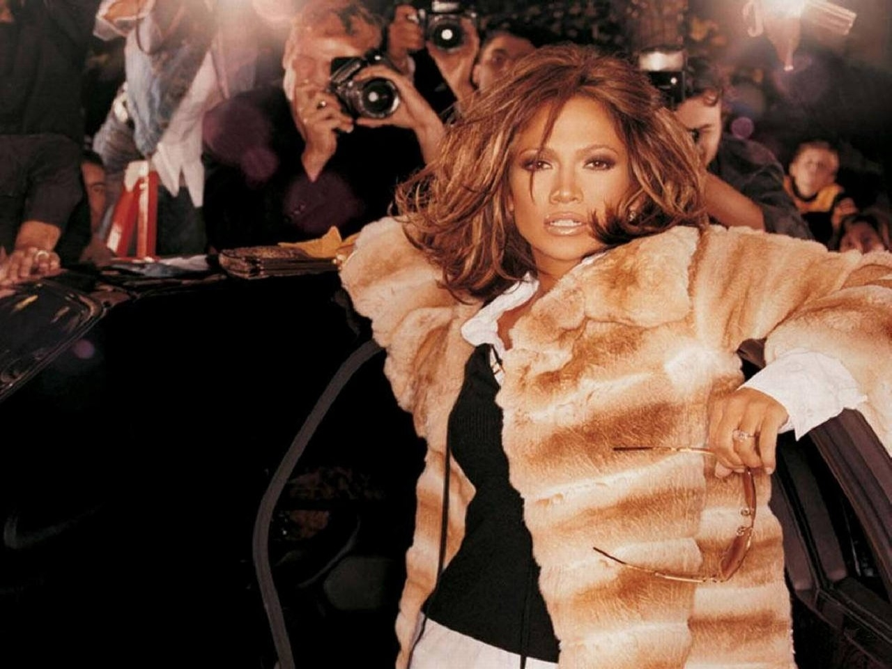 Wallpaper di Jennifer Lopez in pelliccia