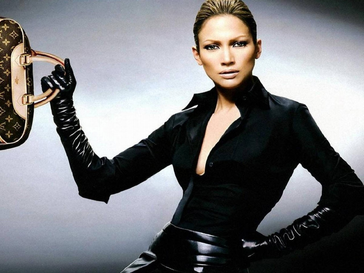Wallpaper di una seducente Jennifer Lopez