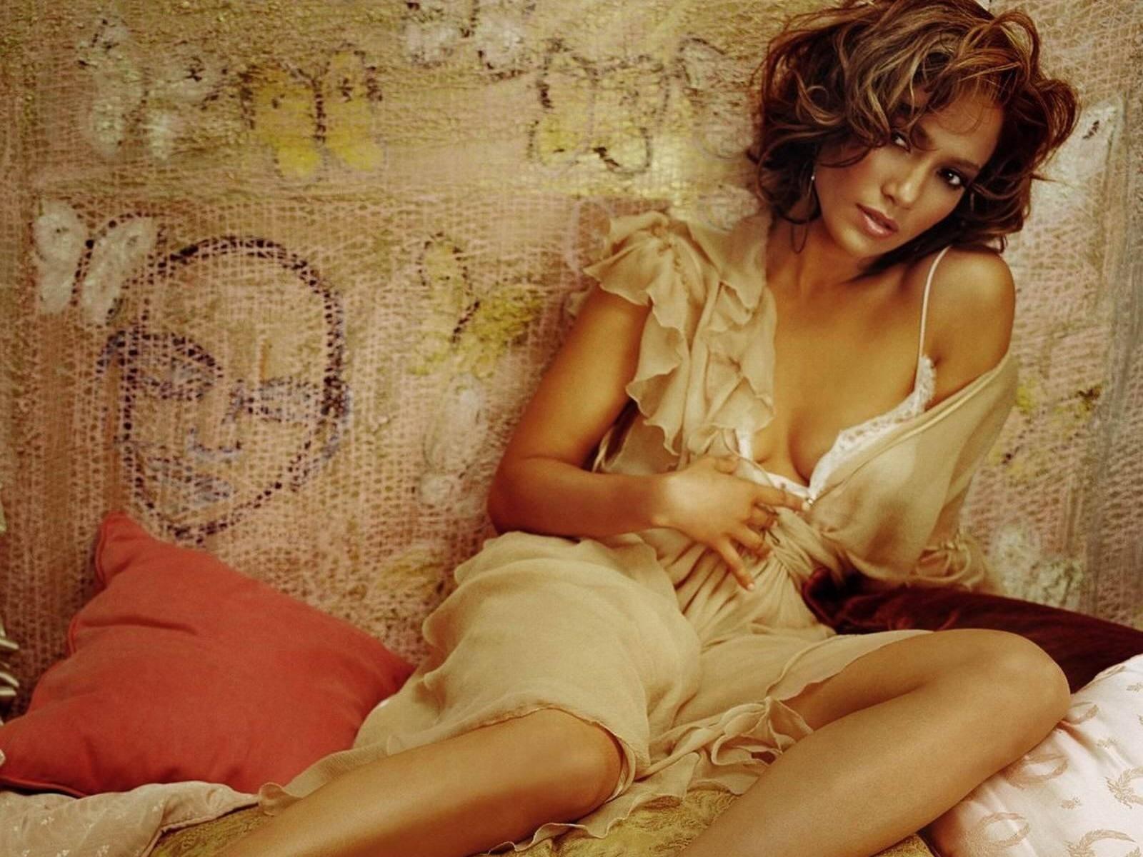 Wallpaper di Jennifer Lopez su uno sfondo accattivante