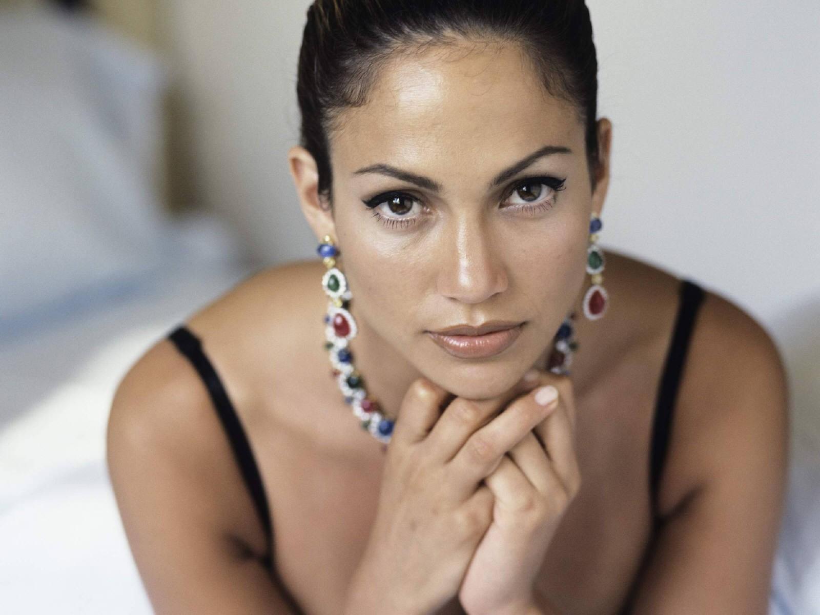 Wallpaper di una magnifica Jennifer Lopez