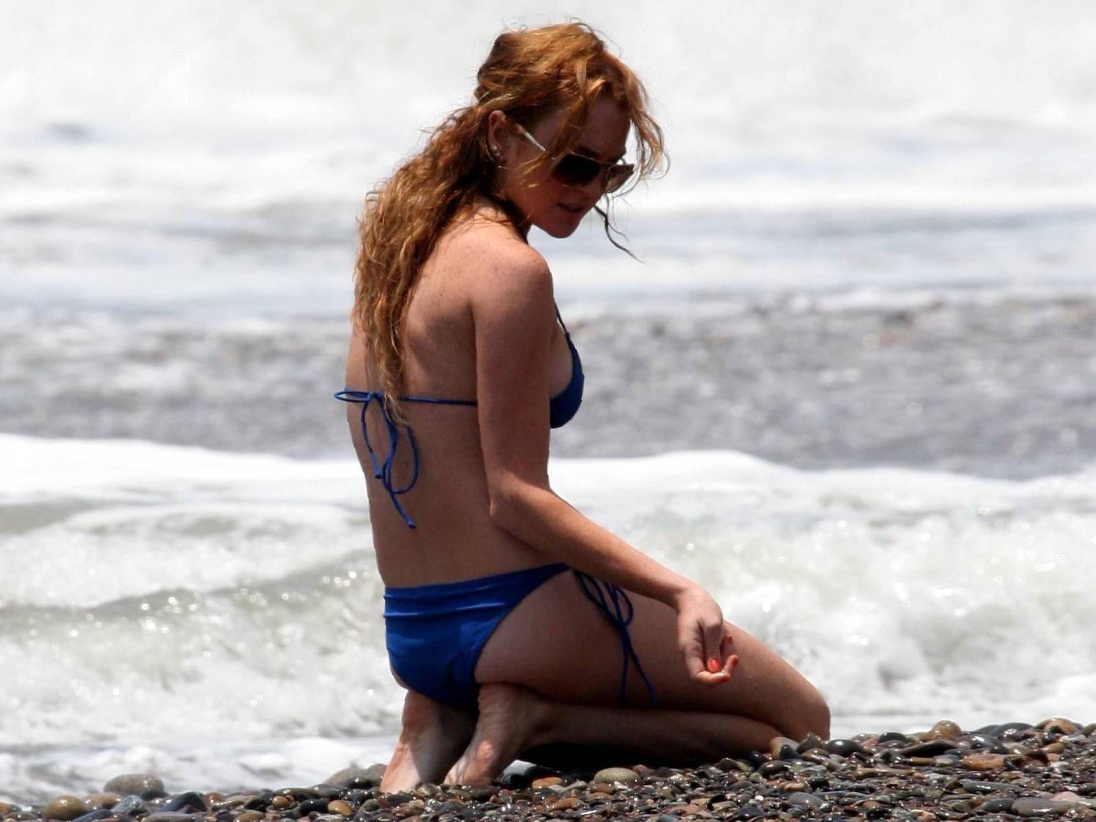 Wallpaper di Lindsay Lohan sulla spiaggia