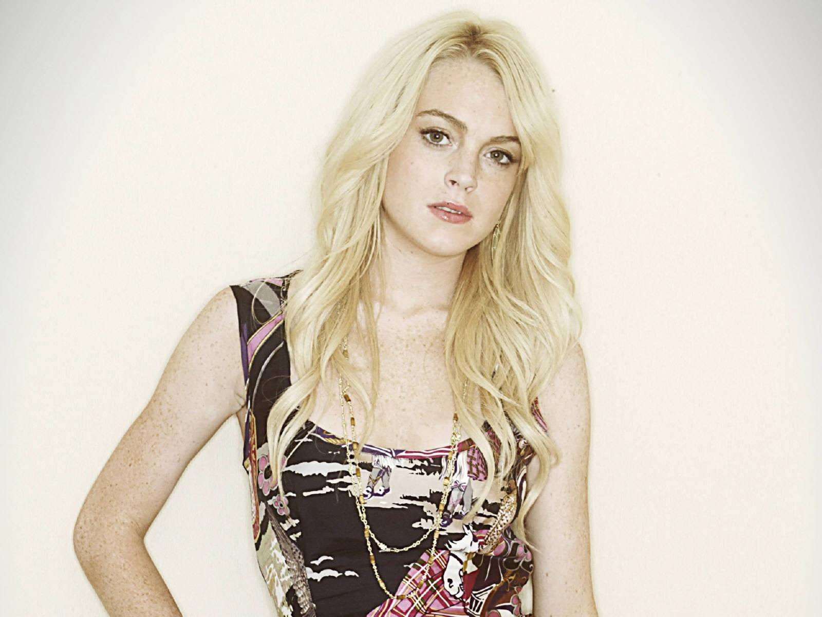 Wallpaper di Lindsay Lohan, stavolta bionda platino