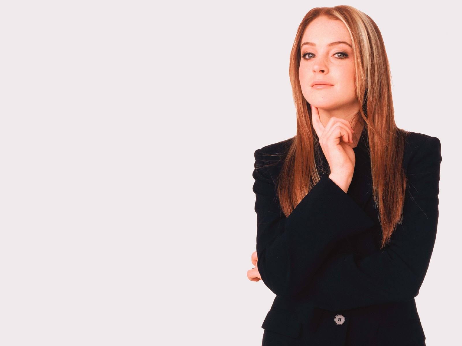 Wallpaper di Lindsay Lohan in tailleur