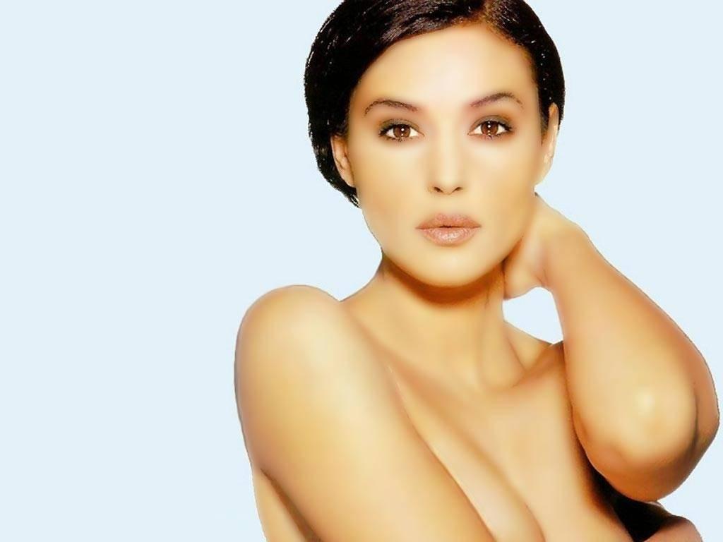 Wallpaper di Monica Bellucci, attrice ed ex-modella italiana