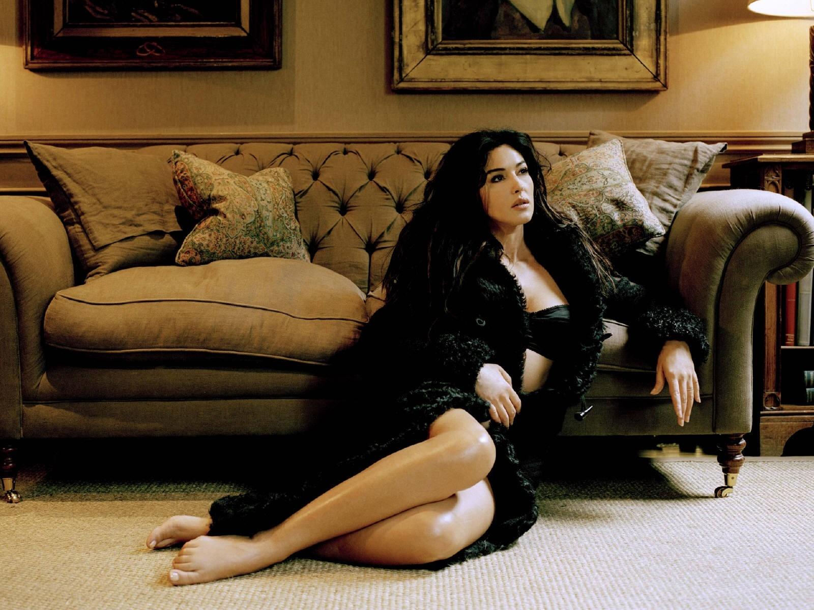 Wallpaper : Monica Bellucci, modello di seduzione