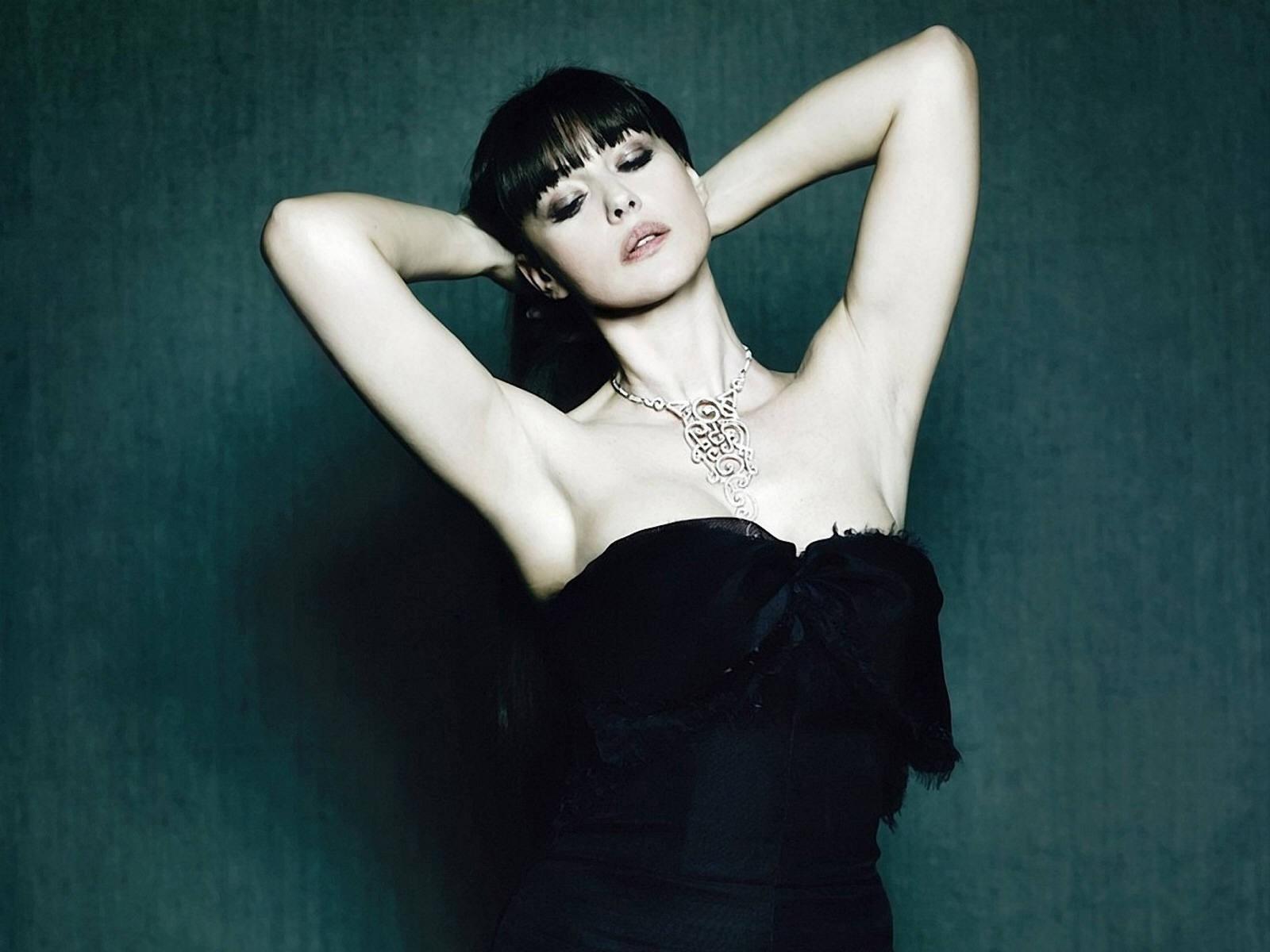 Wallpaper di Monica Bellucci, ex modella e attrice