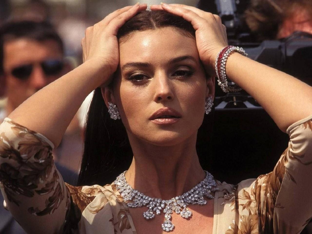 Wallpaper: Monica Bellucci, bella come una dea