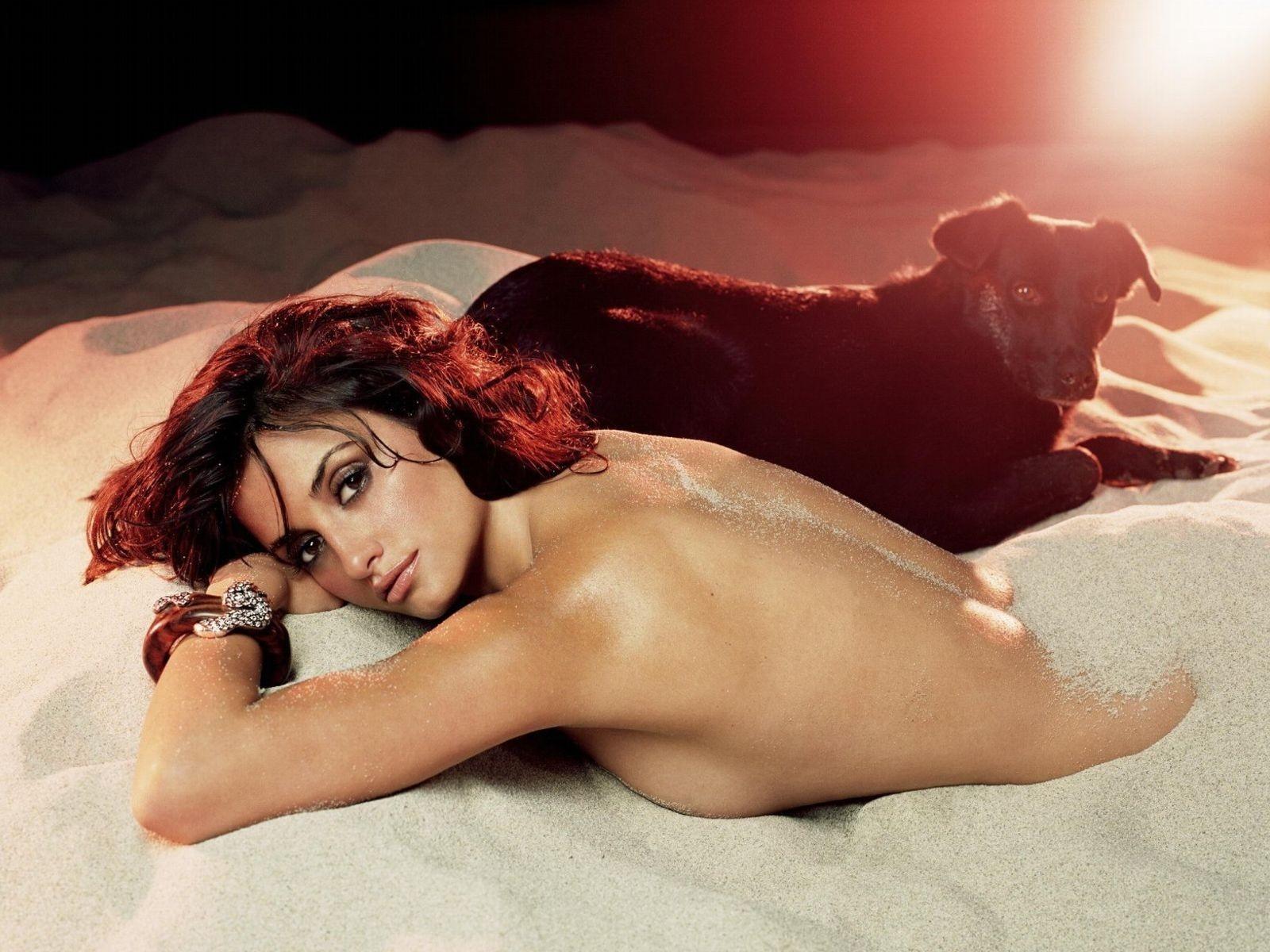 Wallpaper di una splendida e solare Penelope Cruz