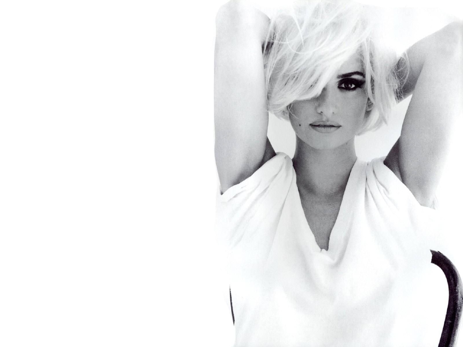 Wallpaper di Penelope Cruz in versione Marilyn