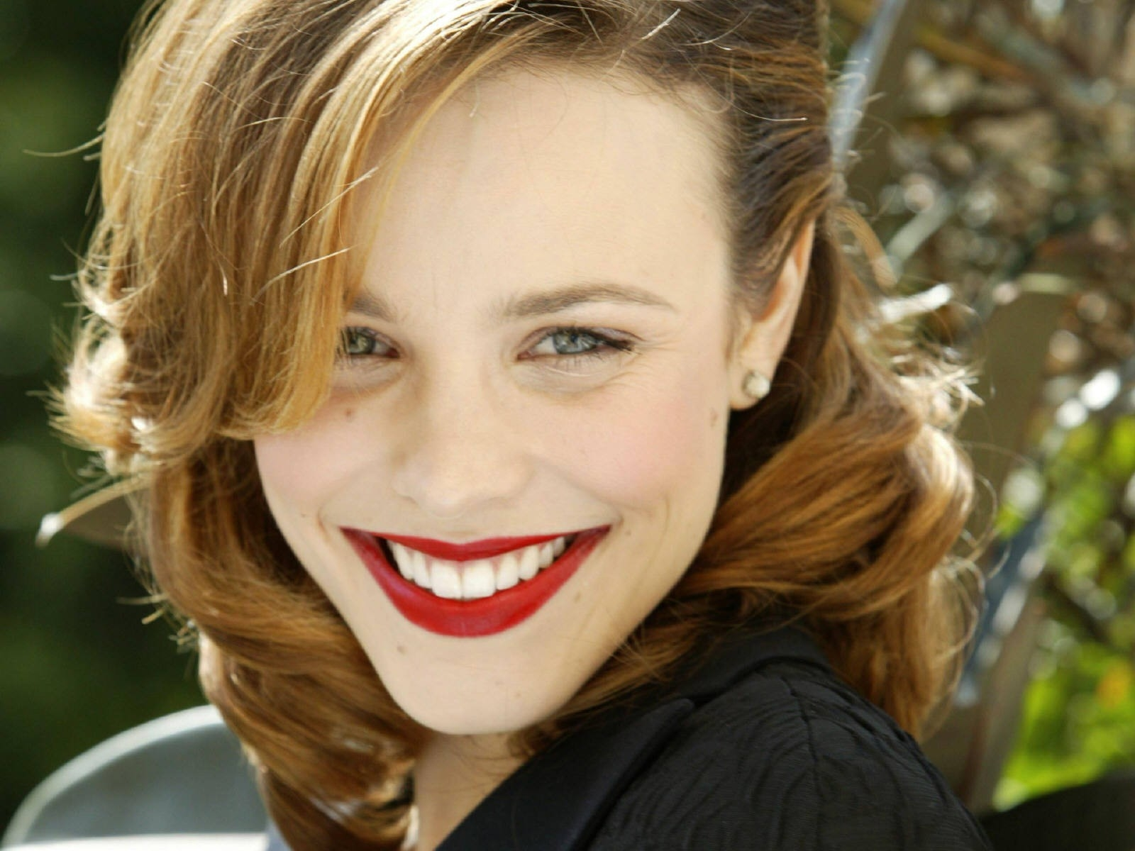 Wallpaper - una luminosa e seducente Rachel McAdams