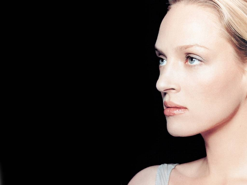 Wallpaper di Uma Thurman, sfondo nero