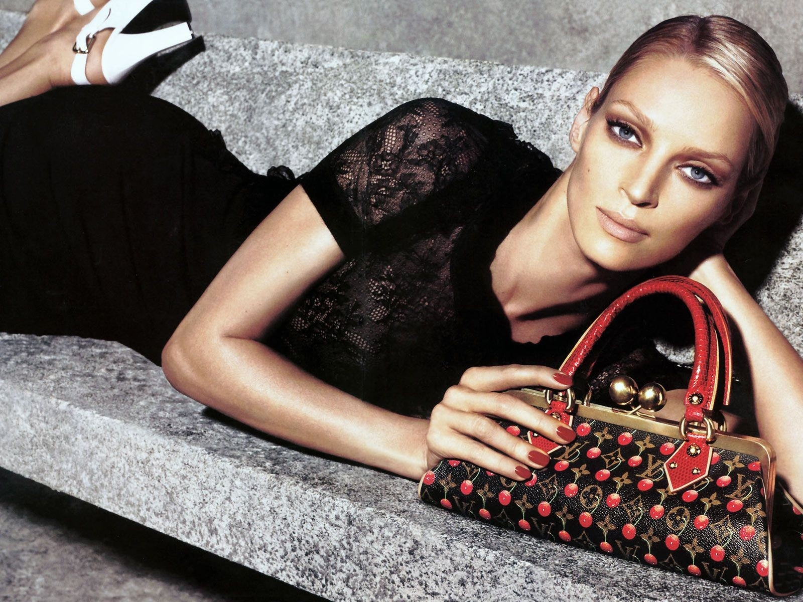 Wallpaper di Uma Thurman per Luisi Vuitton