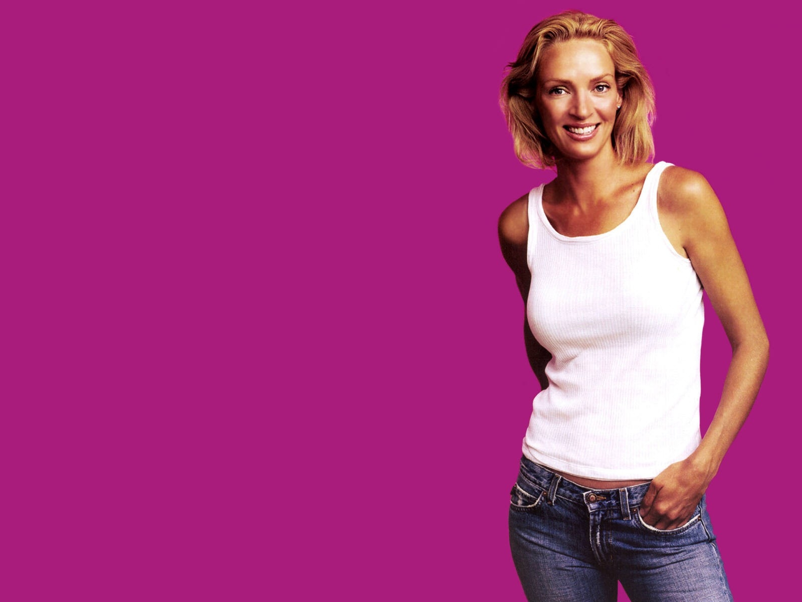 Wallpaper di Uma Thurman, sfondo fucsia