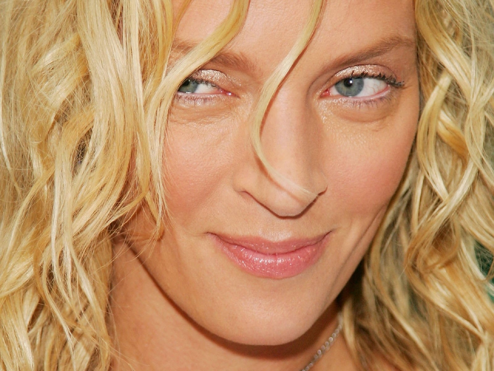 Wallpaper: una bella espressione di Uma Thurman