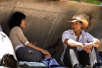 Daniel Dae Kim e Yunjin Kim nell'episodio 'Il coniglio bianco' di Lost