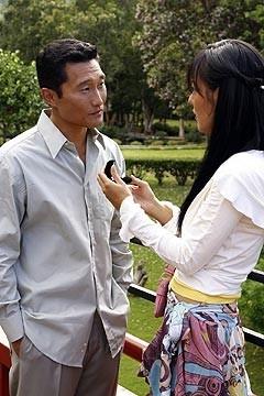 Daniel Dae Kim e Yunjin Kim in una scena di 'La casa del Sol Levante' di Lost