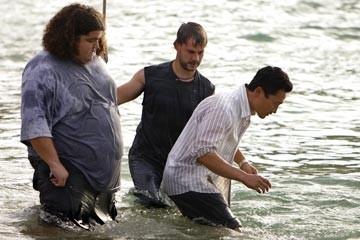 Dominic Monaghan, Jorge Garcia e Daniel Dae Kim nell'episodio 'La caccia' di Lost