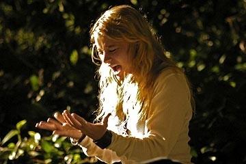 Emilie de Ravin nell'episodio 'Un figlio' della serie televisiva Lost