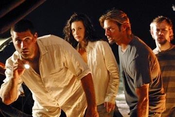 Evangeline Lilly, Matthew Fox, Josh Holloway e Dominic Monaghan nell'episodio 'La caccia' di Lost