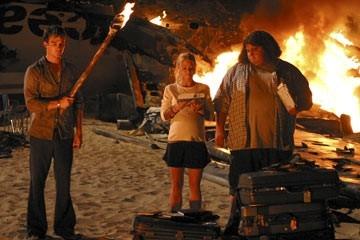 Ian Somerhalder, Emilie de Ravin e Jorge Garcia nell'episodio 'La caccia' di Lost