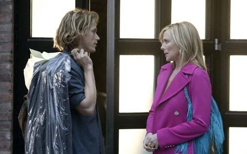 Jason Lewis e Kim Cattrall in una scena di Sex and the City, episodio Presente perfetto