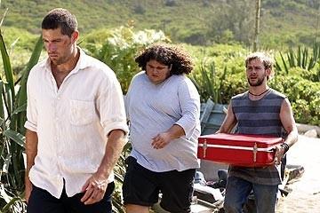 Jorge Garcia, Matthew Fox e Dominic Monaghan nell'episodio 'Il coniglio bianco' di Lost