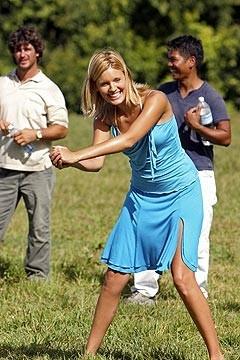 Maggie Grace gioca a golf nell'episodio 'Solitudine' di Lost