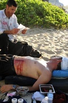 Matthew Fox con Fredric Lehne nel Pilot di Lost