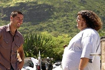 Matthew Fox e Jorge Garcia nell'episodio 'La casa del Sol Levante' di Lost