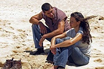 Matthew Fox ed Evangeline Lilly nell'episodio 'La casa del Sol Levante' di Lost