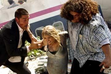 Matthew Fox, Jorge Garcia ed Emilie de Ravin nel Pilot di Lost