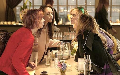 Sarah Jessica Parker, Cynthia Nixon, Kristin Davis e Kim Cattrall in una scena di Sex and the City, episodio L'uomo perfetto
