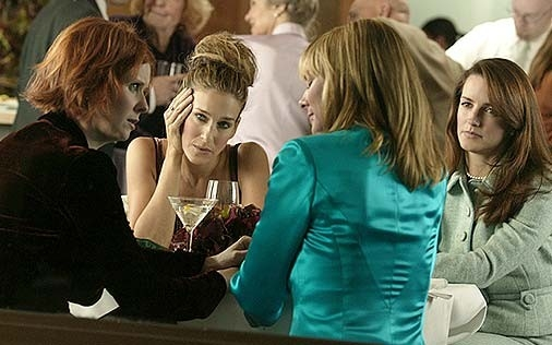 Sarah Jessica Parker, Cynthia Nixon, Kristin Davis e Kim Cattrall in una scena di Sex and the City, episodio The Ick Factor