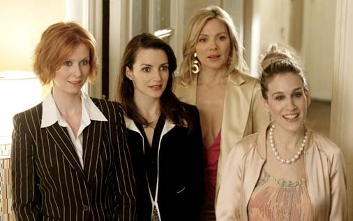Sarah Jessica Parker, Kristin Davis, Kim Cattrall e Cynthia Nixon in una scena di Sex and the City, episodio Presente perfetto