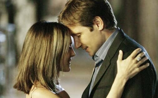 Sarh Jessica Parker e David Duchovny in una scena di Sex and the City, episodio Ragazzo interrotto
