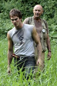 Terry O'Quinn con Ian Somerhalder nell'episodio 'Inseguimento' di Lost