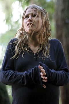 Emilie de Ravin nell'episodio drammatico 'Ritorno' di Lost