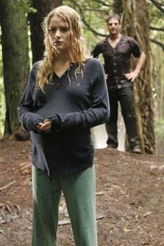 Emilie de Ravin in una sequenza drammatica nell'episodio 'Ritorno' di Lost