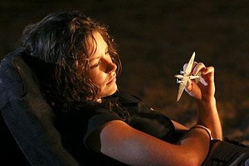 Evangeline Lilly nell'episodio 'Il mistero della valigetta' del serial Lost