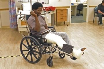Harold Perrineau in sedia a rotelle nell'episodio 'Speciale' di Lost