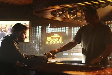 Josh Holloway nell'episodio 'Fuorilegge' di Lost
