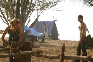 Maggie Grace e Ian Somerhalder nell'episodio 'Fuorilegge' di Lost